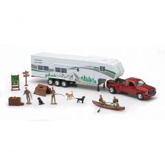 New-Ray Toys 1:32 Scale Fifth Wheel W/ Camo Camper & Deer Set